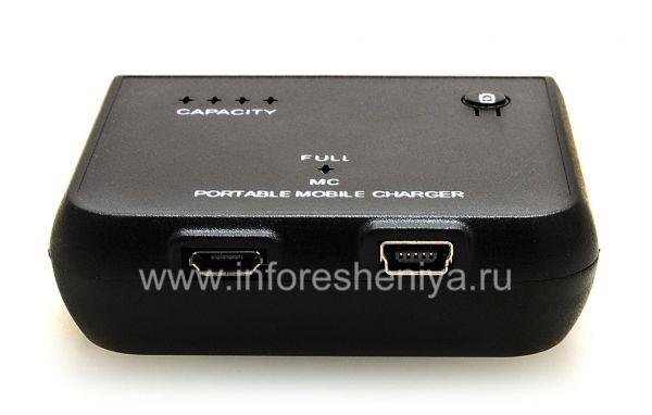 Портативное зарядное устройство для BlackBerry, Черный: Заряжать само устройство можно как MicroUSB-, так и MiniUSB-кабелем.