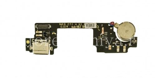 在芯片上的USB连接器(充电器连接器)T18有一个麦克风和一个振动电动机BlackBerry DTEK60