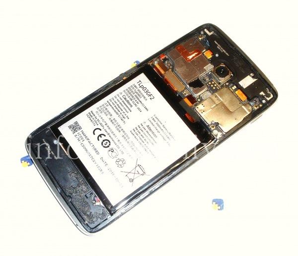 Разборка BlackBerry DTEK60/ Инструкция: BlackBerry DTEK60 со снятой задней крышкой.