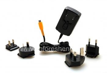 Оригинальное сетевое зарядное устройство International Charger 2A с насадками для разных стран для BlackBerry